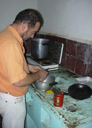 Richard is cooking (Tunisia)